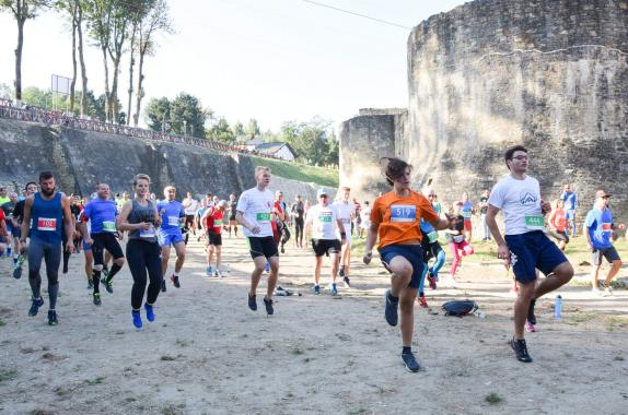 10 representative from ASSIST Software participated at Suceava Marathon