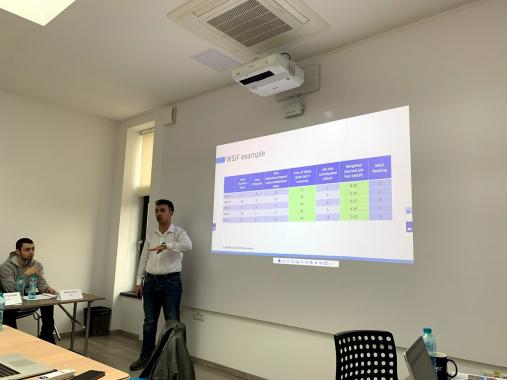 Mihai MLESNITA, our training partner from AXIOMA Solution, presenting in front of ASSIST Sefaira team